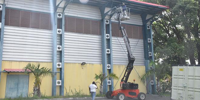Les travaux sont effectués au niveau de la toiture du Centre national de boxe à Vacoas.
